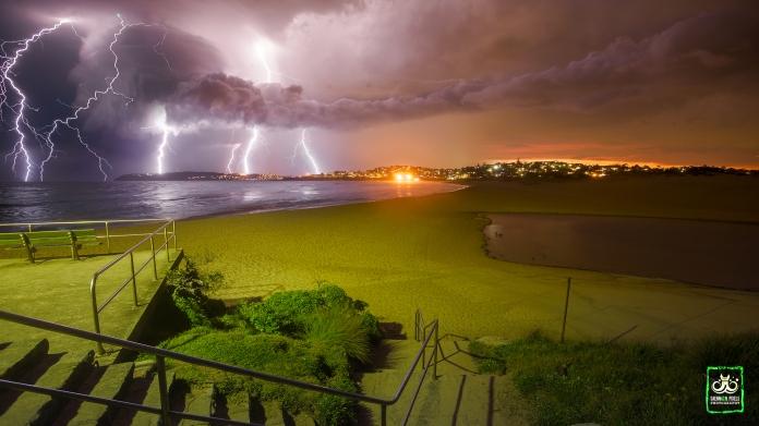 Web Sydney thunderstorm 101215